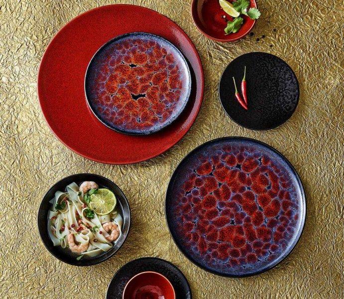 Troisième photo : Noir-rouge, Collection : Seventies